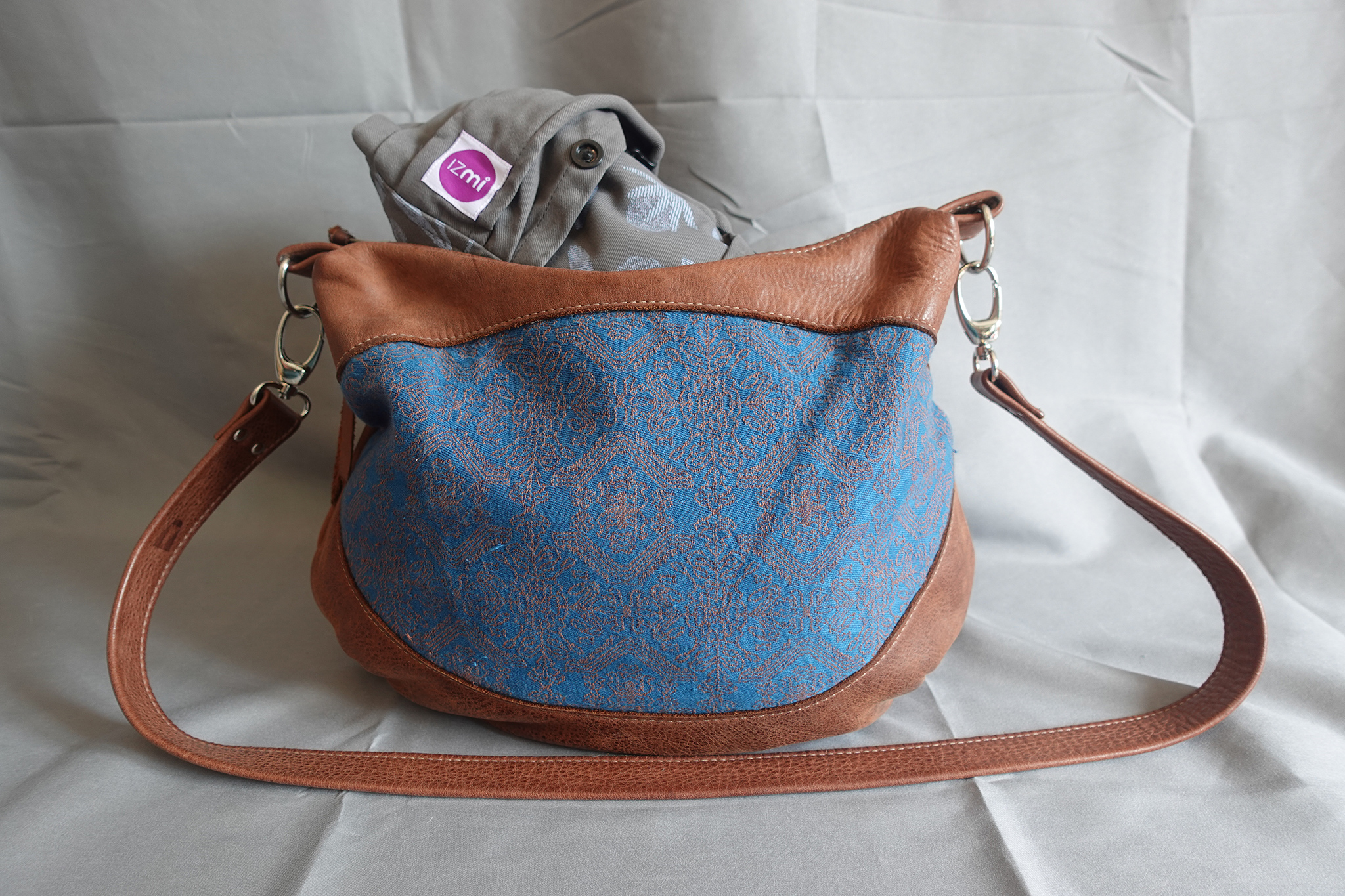 Handtasche mit Trage von IZMI